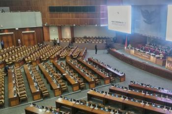 Saat 24 Anggota DPR Hadiri Rapat Paripurna, Ke Mana 536 Orang Lainnya?