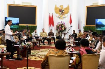 Hanya Dua dari Enam Menteri di Kabinet Kerja Jokowi Lolos DPR